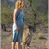 Kate Hudson - Kate Hudson commercial with trained Cheetah from outside the Reserve