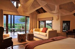 5 luxury safari bush lodge.
